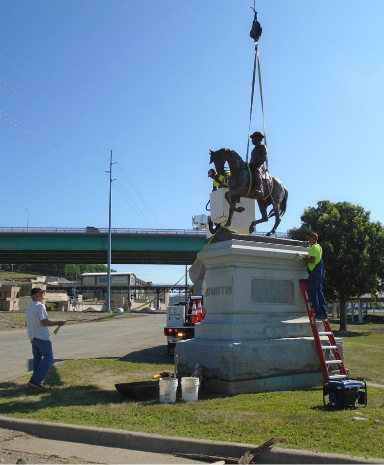 Re-installing General Curtis, Keokuk, Iowa