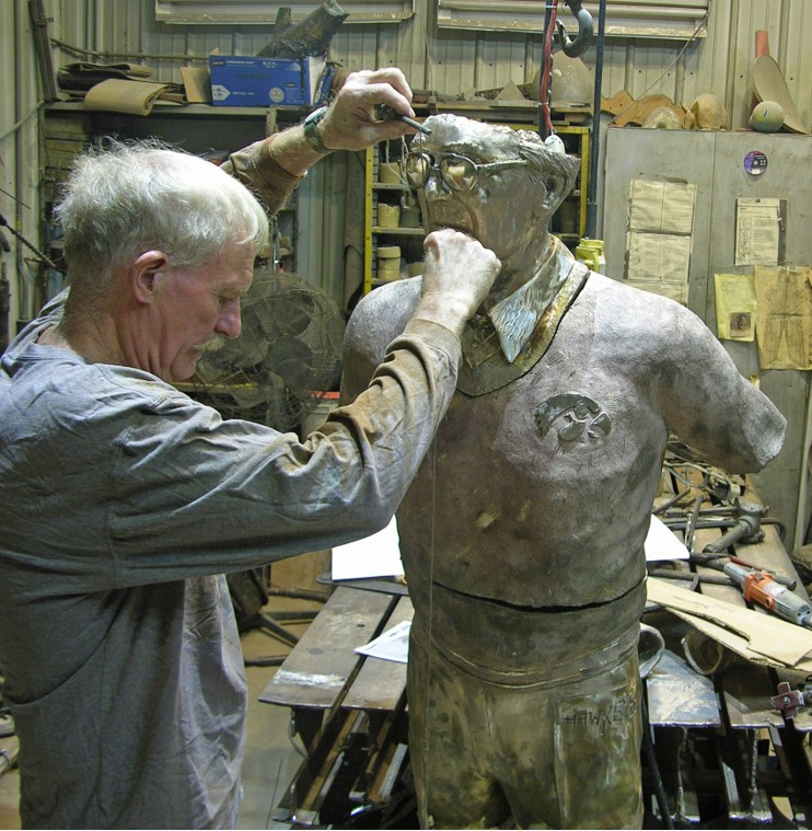 Commission Assembling Hayden Fry, checking chin to ball of the foot, Stephen Maxon, 2017