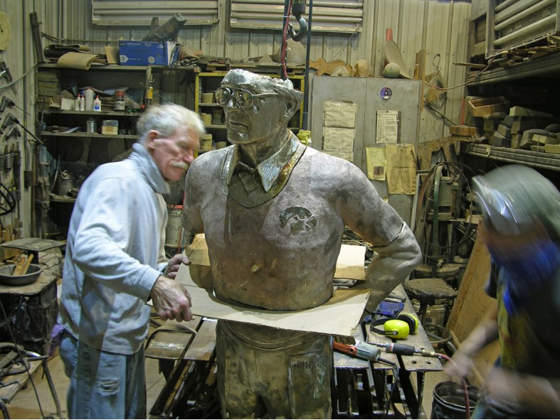 Commission Checking Hayden Fry's waist shape, Stephen Maxon